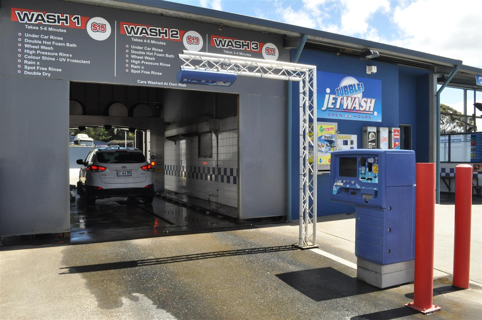 Bubbles jetwash kingston complete car wash and care facilities photo gallery of bubbles jetwash kingston tasmania 4 7 auto car wash self solutioingenieria Images